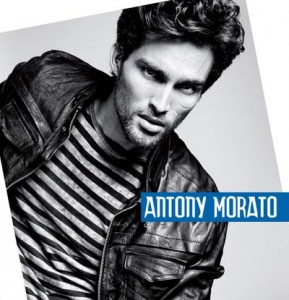 The Only Reason to Take Off Your Antony Morato. Lo spot TV fra stile e sensualità