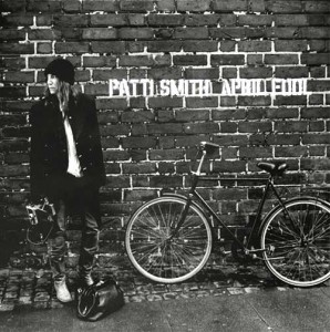 patti smith april fool singolo 2012 banga